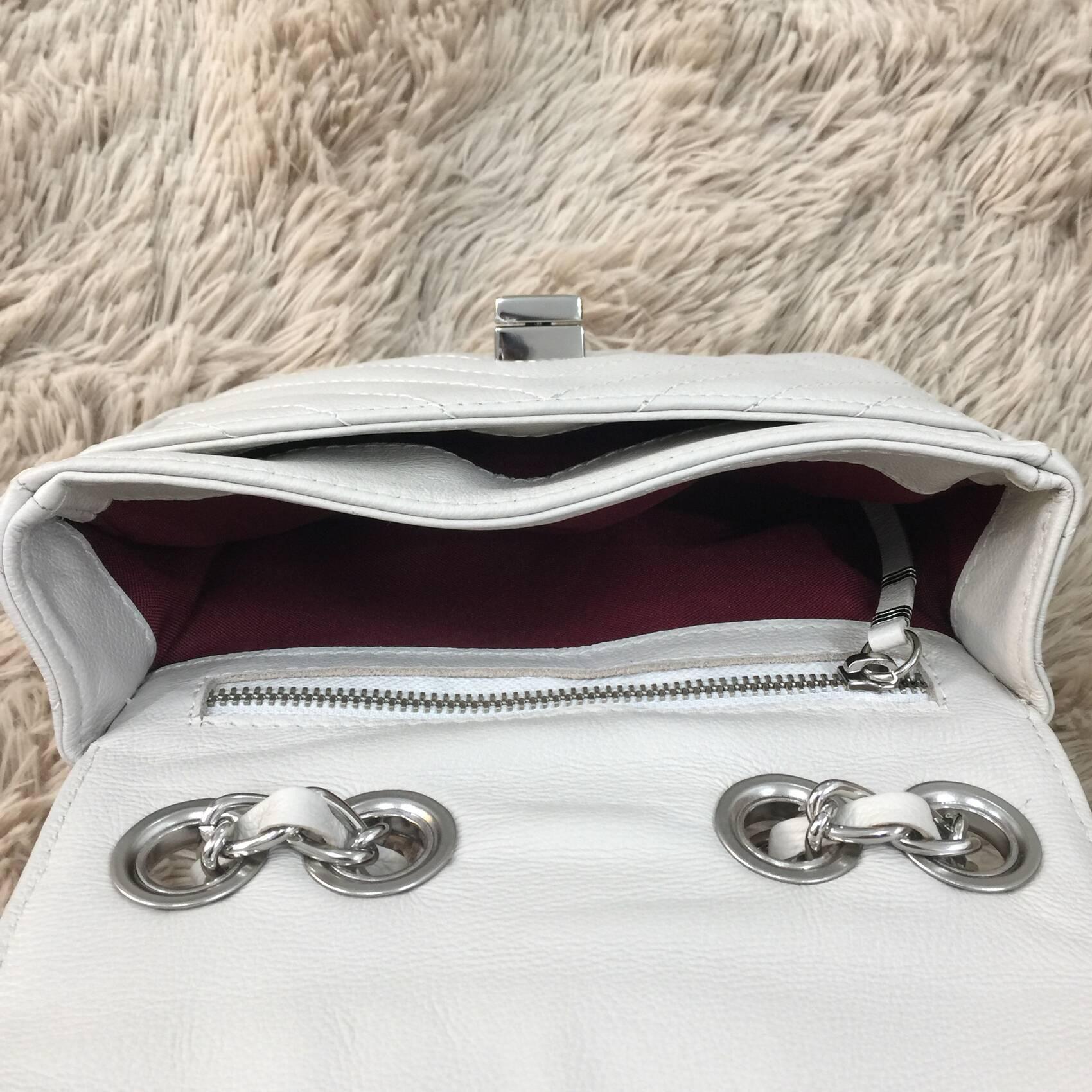 VERSALHES PEQUENA Bolsa de corrente em couro legítimo branca off-white matelassê chevron