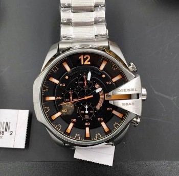 Relógio Diesel 10 BAR - Prata e Preto com Detalhes Laranjado